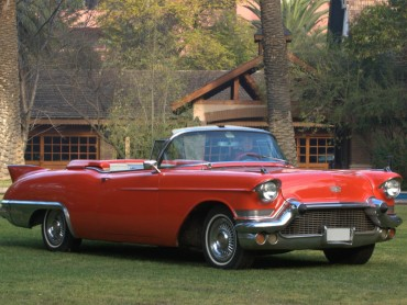 Cadillac-El-Dorado-Biarritz-1957