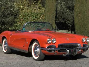 Chevrolet-Corvette-1962