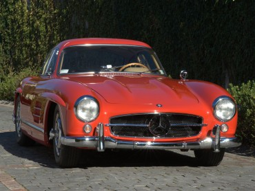 Mercedes-Benz-300-SL-Gullwing-1955